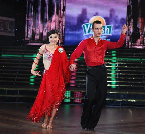 Bước nhảy hoàn vũ 2012 tuần 3: Phương Thanh ngã nhào, khán giả thót tim
