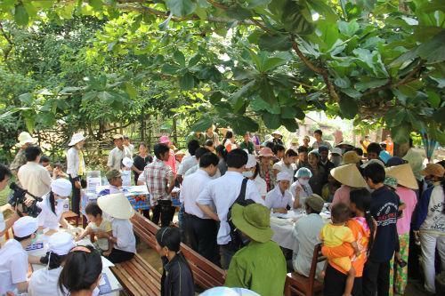 Quảng Ngãi: Người dân cúng ma trừ 'bệnh lạ'