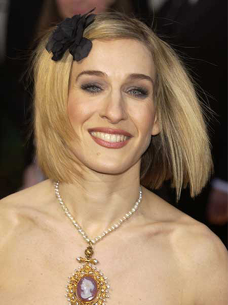 Sao Hollywood 'giả nai' với nơ cài tóc