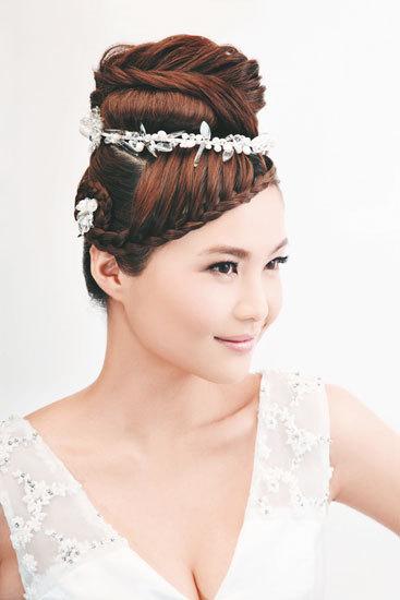 6 kiểu tóc tết cho cô dâu xinh tươi ngày hạ