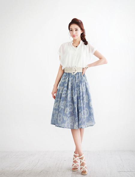 Chân váy màu pastel làm dịu mát mùa hè oi bức