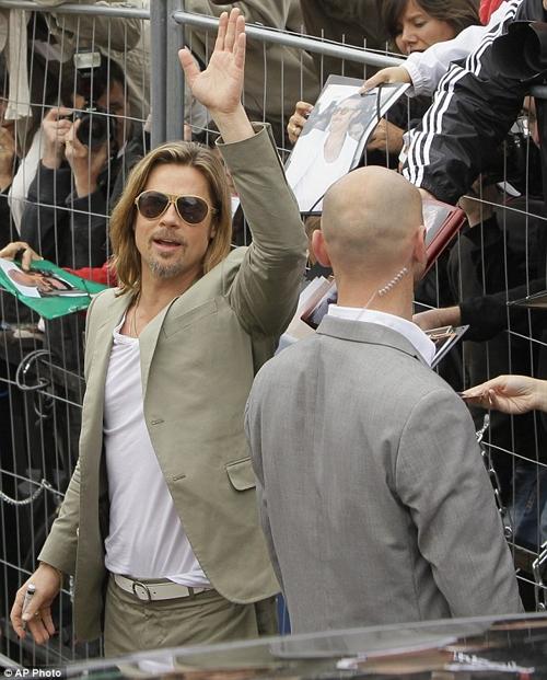 Brad Pitt chưa nghĩ đến chuyện cưới Angelina Jolie
