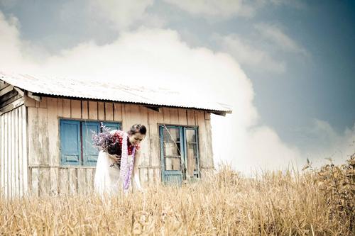 Vợ sắp cưới của Huỳnh Đông khoe sắc tại Đà Lạt