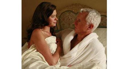Kỳ lạ tập tục bố chồng ngủ với cô dâu trước chú rể