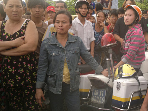 Đồng Nai: Hàng trăm người chặn xe CSGT làm ùn tắc QL1A