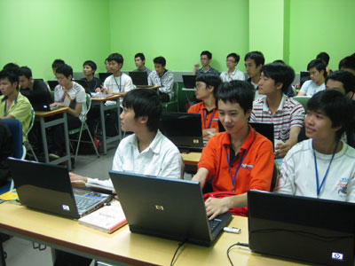 FPT-Aptech công bố Quỹ Học bổng Tài năng trẻ FPT