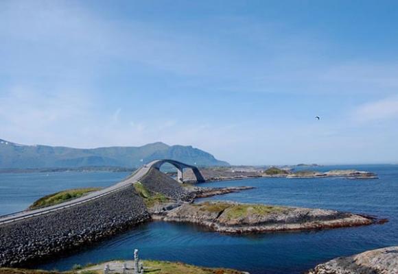 Đến Na Uy, nhớ ghé thăm con đường 'đứng tim'