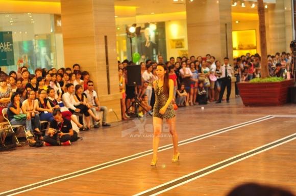 Vietnam's Next Top Model 2012: Sôi động vòng casting tại Hà Nội