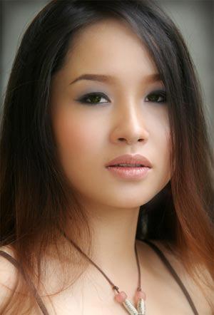 Sao Việt công kích nhau vì đồng nghiệp bán dâm