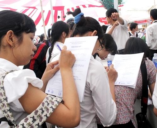 Hàng ngàn sinh viên Sài thành cùng đi săn việc