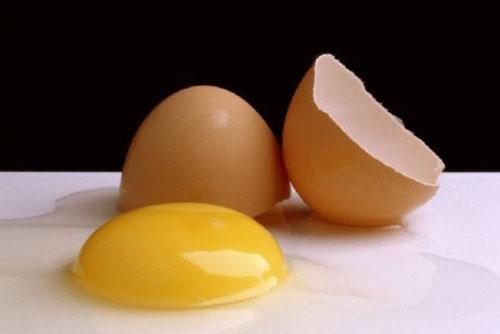 Dưỡng da bằng trứng gà ta
