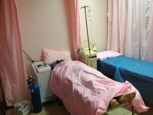 Bệnh nhân chết tại phòng khám Trung Quốc, người nhà náo loạn