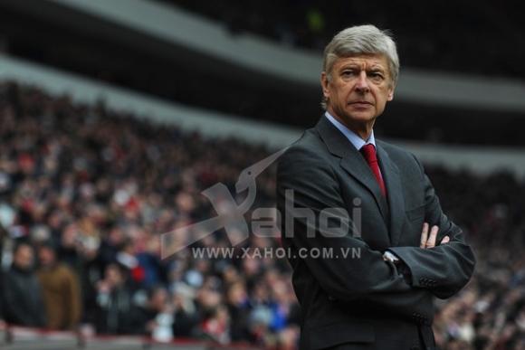 """Arsenal chơi """"canh bạc tất tay"""" với Persie"""