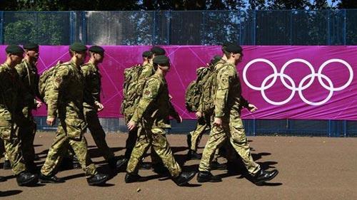 Djokovic và Murray được quân đội bảo vệ