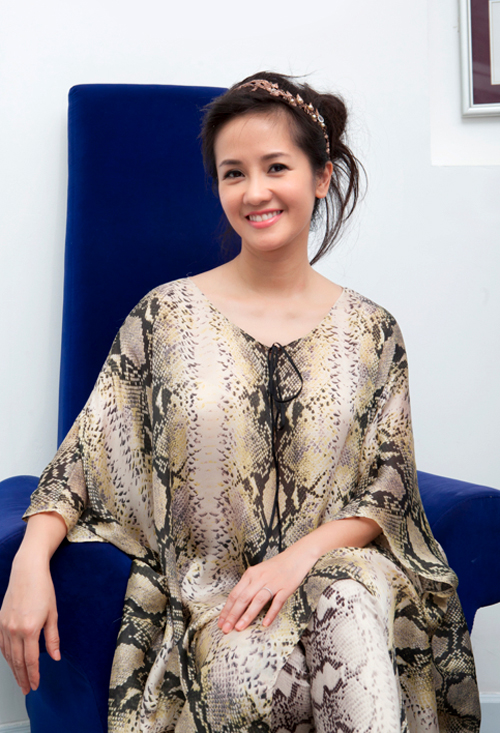 Thời trang diva Hồng Nhung: Từ tuổi 16 đến gái 2 con mặn mà