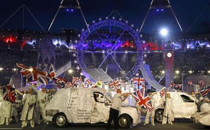 Ngắm dàn xe độc tại lễ bế mạc Olympic 2012