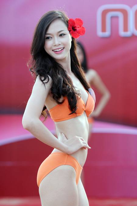 Hoa Hậu Việt Nam 2012: Danh hiệu Người đẹp Biển thuộc về ai?