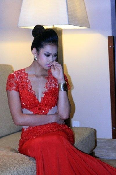 Vương Thu Phương bất ngờ bị loại khỏi đêm chung kết HHVN 2012