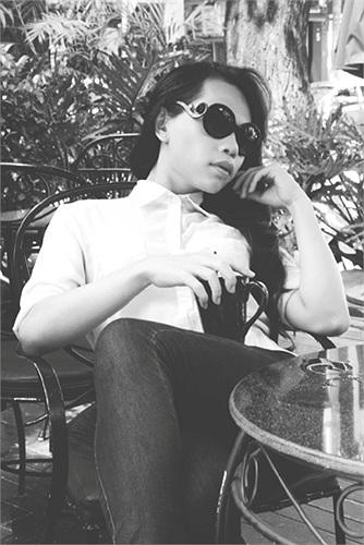 Lộ thêm ảnh NTK chuyển giới Franky Nguyễn 'sao chép' Hà Hồ