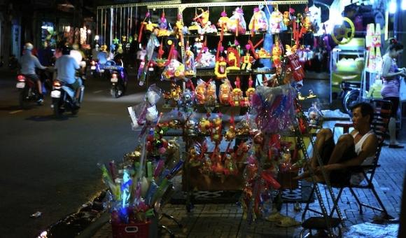 Phố đèn lồng quận 5 lung linh vào mùa Trung thu