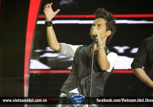 Gala 9 Vietnam Idol 2012: Ya Suy gặp sự cố, Hoàng Quyên thể hiện đẳng cấp