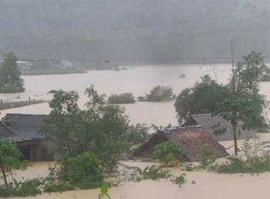 Hà Tĩnh: 4 người chết, 11 người mất tích do lũ lụt