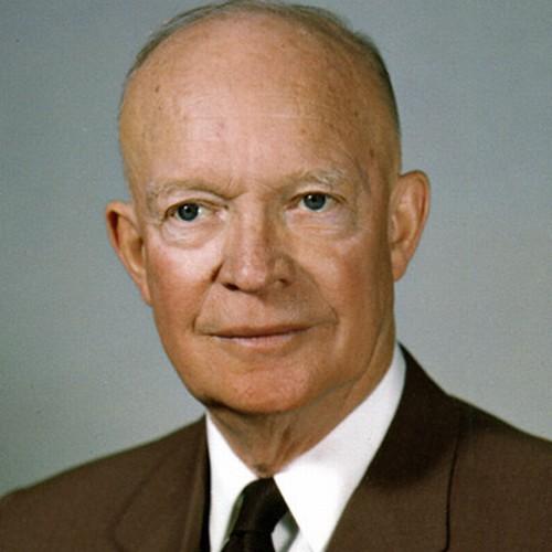 Dwight D. Eisenhower là vị tướng 5 sao của Quân đội Mỹ trước khi trở thành  tổng thống nước này. Trong chiến tranh Thế giới II, Eisenhower giữ vai trò  chỉ ...