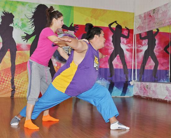 Thí sinh 130 kg vất vả tập Bước nhảy Hoàn vũ 2014