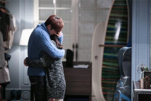 Mặc đẹp như cặp đôi Kim Tan và Eun Sang