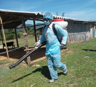 NÓNG 24h: Một công nhân treo cổ tự tử chết bất thường