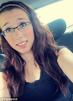 Bị tung ảnh hãm hiếp tập thể lên mạng, nữ sinh 17 tuổi tự tử