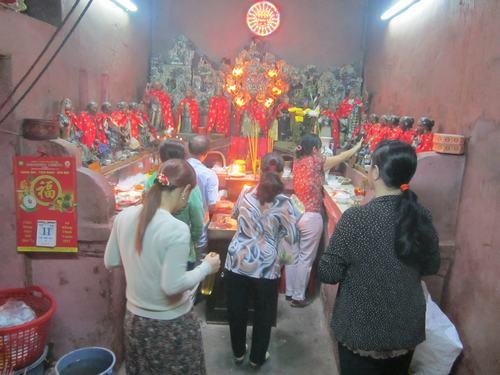 Kể chuyện cầu con ở chùa Ngọc Hoàng