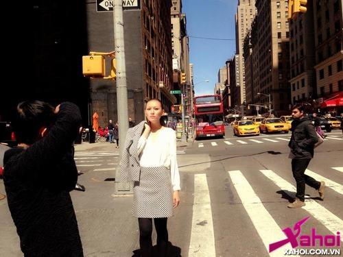 Nhật ký 'Đêm hội chân dài 7': Siêu mẫu Diệu Huyền kết thúc buổi chụp hình ở NY