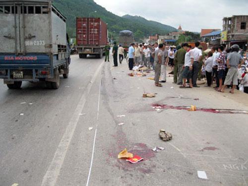 Tai nạn giao thông kinh hoàng, 4 nữ sinh thiệt mạng