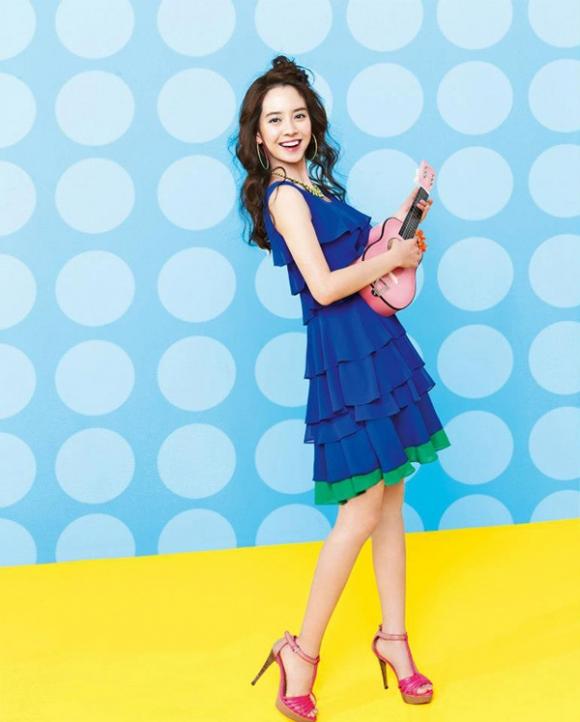 """Song Ji Hyo hiện đang tham gia drama cổ trang """"Thiên mệnh"""" phát sóng trên đài KBS2 cùng Lee Dong Wook, Yoon Jin Yi,..."""