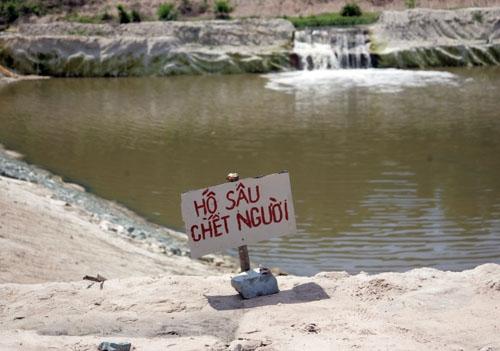 Nguyên nhân khiến hai bé trai chết đuối trong hồ nước công trình