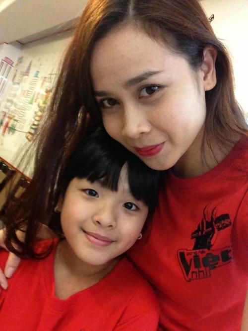 Soi Facebook Sao Việt (P18): Lộ ảnh Dương Triệu Vũ thời lớp 1 giống hệt con gái