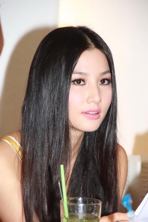 Những suối tóc hớp hồn của mỹ nhân Việt