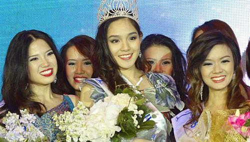 Hoa hậu Hoàn vũ 2013 Singapore bị chê kém sắc