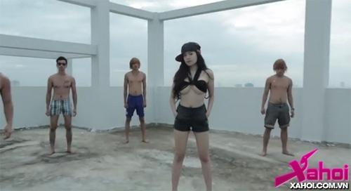 Hậu clip gợi dục, Bà Tưng tung ảnh áo dài vớt vát hình ảnh