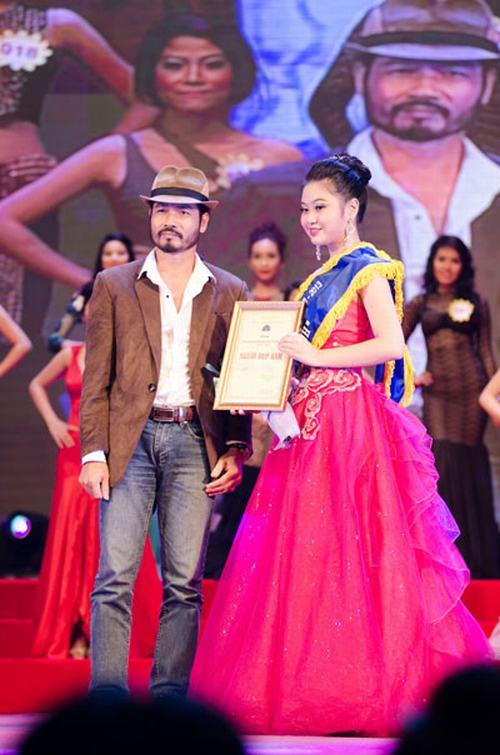 Lô Thị Hương Trâm đăng quang Nữ hoàng trang sức 2013