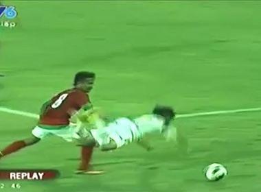 Fan Việt bức xúc với clip đá bóng kiểu