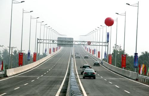 Thông xe 20km cao tốc TP.HCM - Dầu Giây