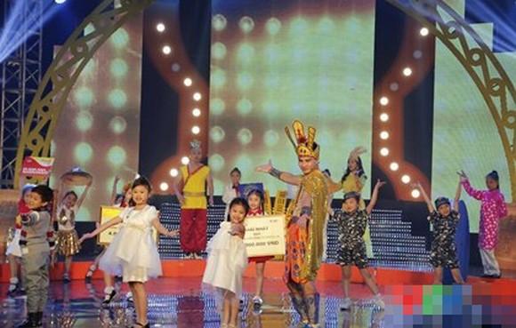 Gala Tết Đồ Rê Mí 2014: Xuân Bắc làm... vua Hùng!