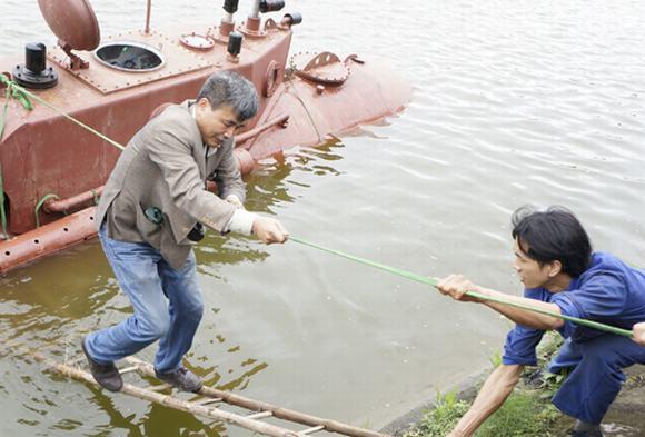 Thử nghiệm thành công Tàu ngầm Trường Sa mini trong hồ