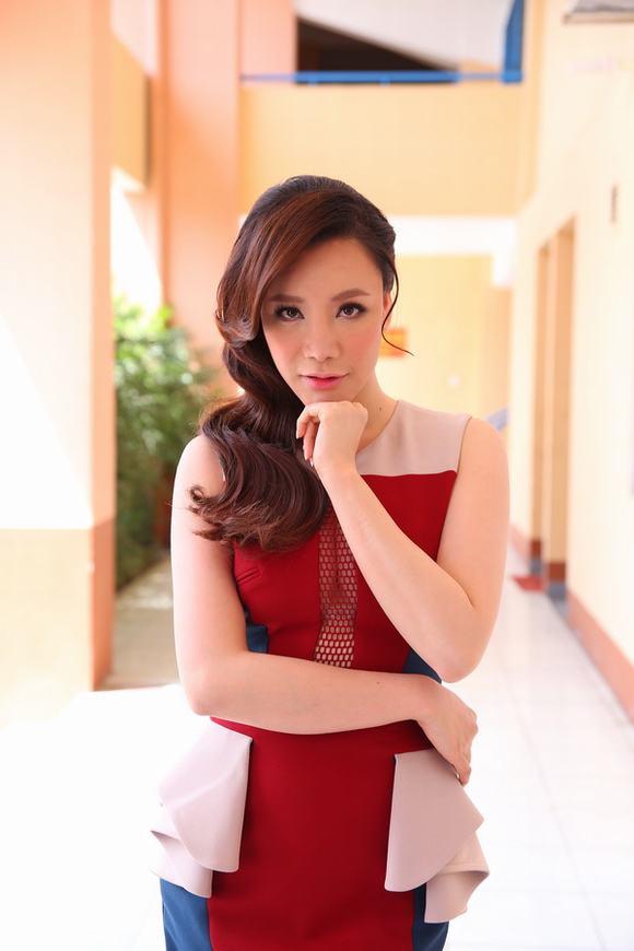 Nhân tố bí ẩn: Hồ Quỳnh Hương làm giám khảo vì tiền hay danh tiếng?