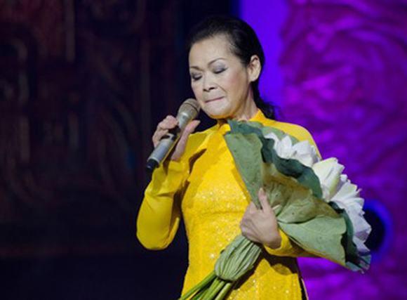 NS Phó Đức Phương đi Đà Nẵng đòi tiền show Khánh Ly