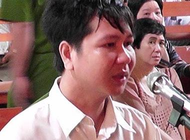 Thầy giáo tạt acid đồng nghiệp bị bốn năm tù