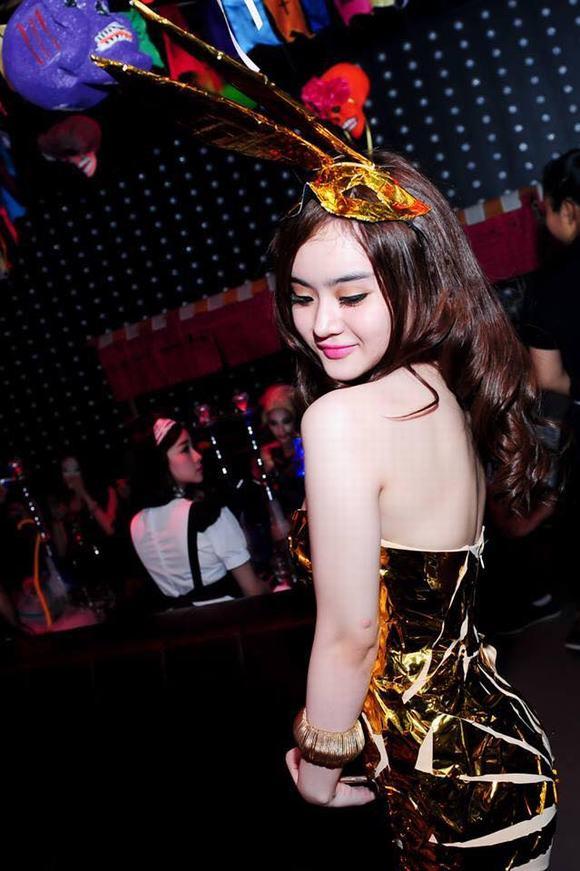 angela-phuong-trinh-va-em-gai8