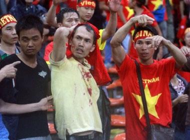Bộ trưởng Thể thao gửi lời Malaysia xin lỗi CĐV VN